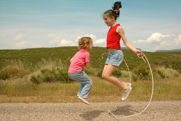 images of girls jumping rope № 13220