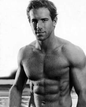 Ryan-Reynolds Muscles