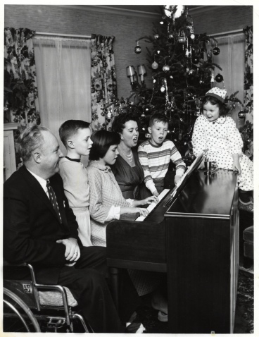 Christmas FaMILY AT PIANO