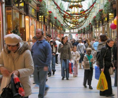 Christmas-Shopping-01