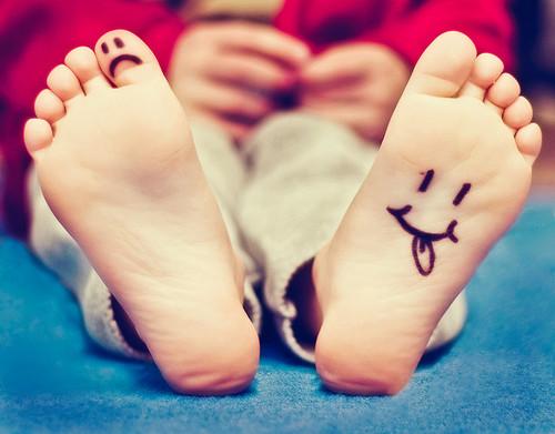 sad_happy_foot