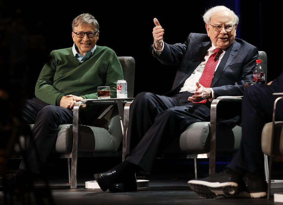 Buffett and Bill.jpg