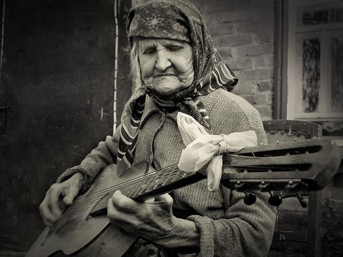 old lady guitar.jpg