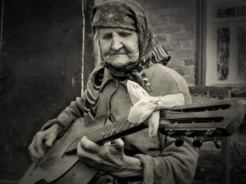 old lady guitar.jpg