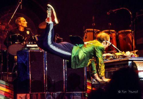 Elton 75